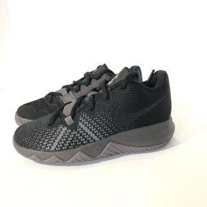 New NIKE Kyrie Flytrap Kids Shoes Size 13C
